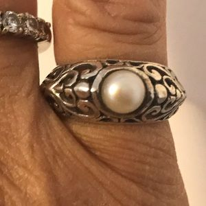 Jewelry - 925 Sterling Silver & Pearl Ring